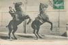 Saumur (M.-et-L.) - Dressage des Sauteurs en tandem